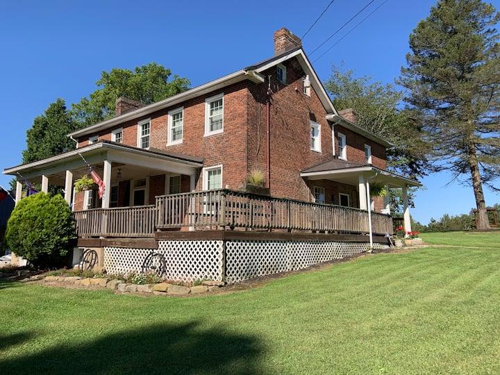 Fox farm Inn and barn venue