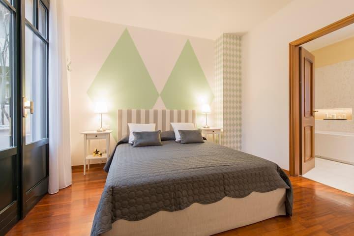 DREAM - room deluxe with bath in exclusive Villa