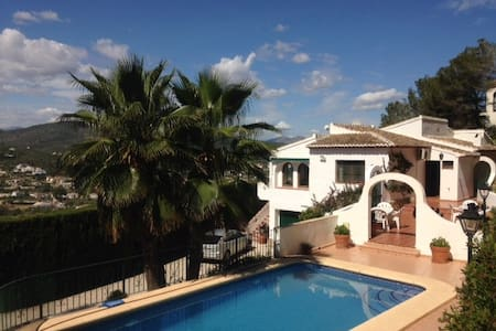 Villa with beautiful views, close to the see - Javea