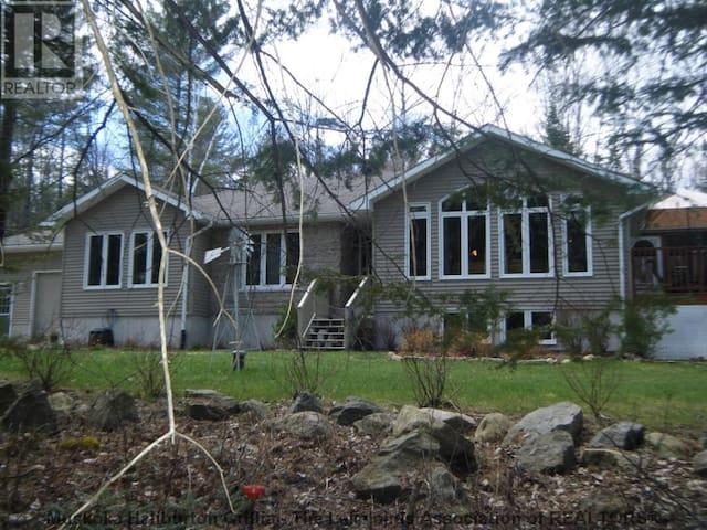 Beyond The Dream - Muskoka Family Cottage