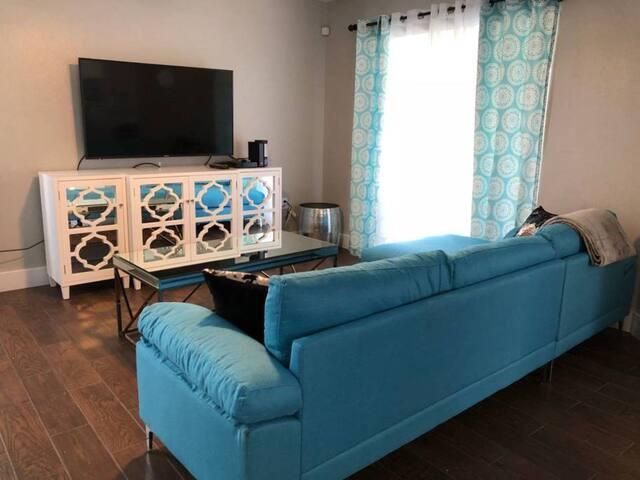 NEW! 5 Bedroom Pool villa. Sleep 14 people ORLANDO