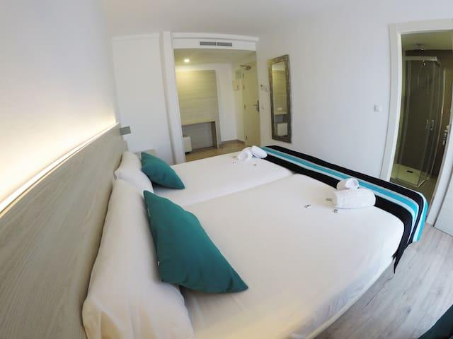 Basic Room (Room Only)