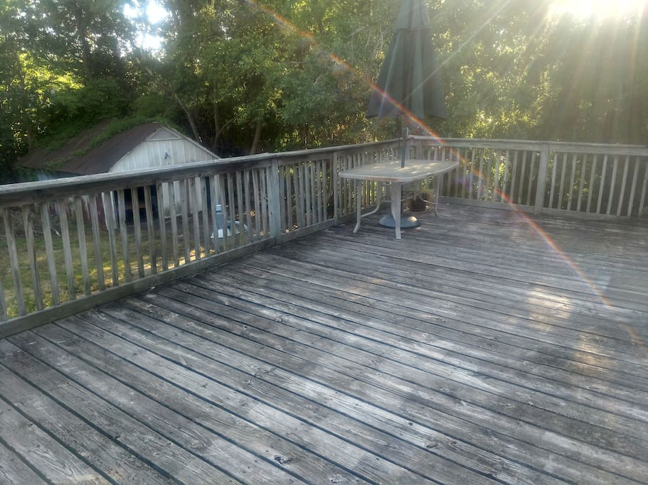 Large 2nd story deck