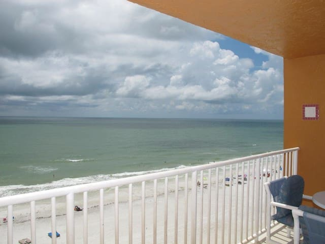 Beach Condo # 705 with Ocean Views - Indian Shores - Apartamento