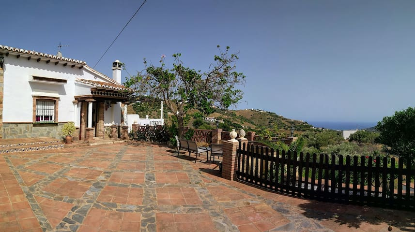 Private villa, pool, terraces, sea/mountain views