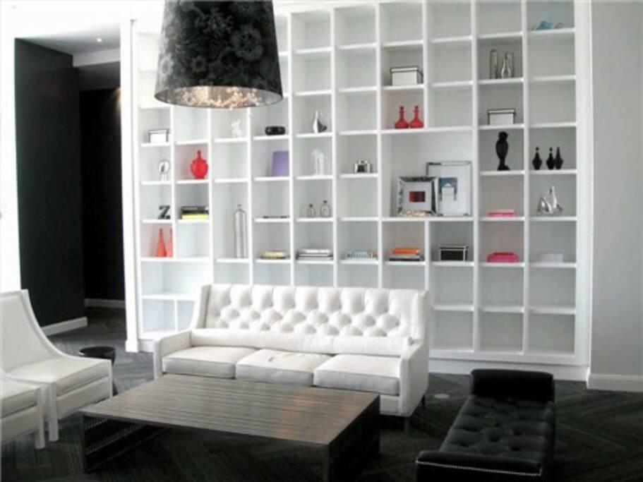Ocean Drive Lounge common Area
