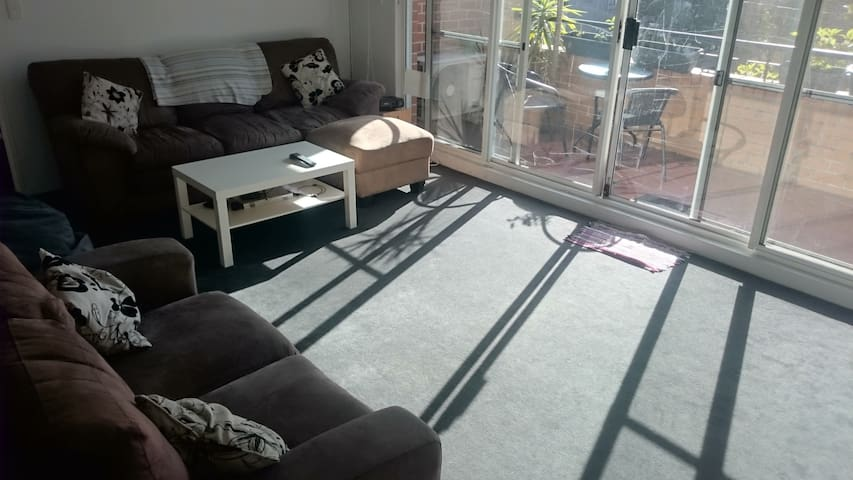 Spacious Apartment in Surry Hills - Surry Hills - Apartment