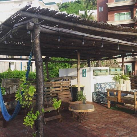 RUCOS. ¡Habitación con vista al jardín!