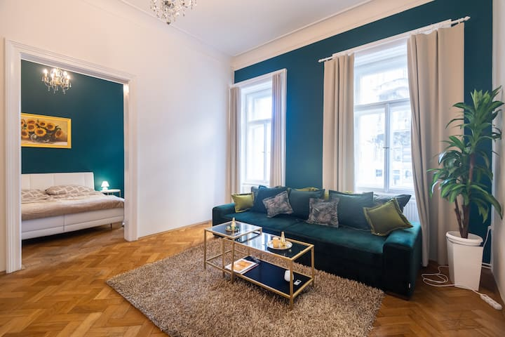 Awesome Art Apartment in the center of Prague