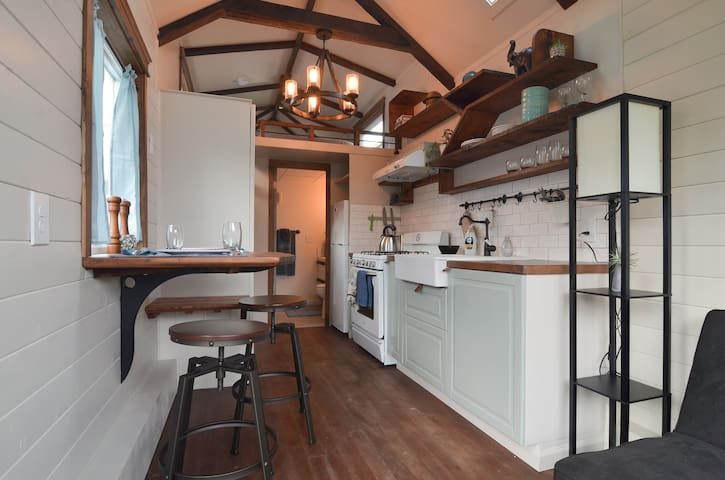 Gorgeous Craftsman Tiny House - Seattle - House