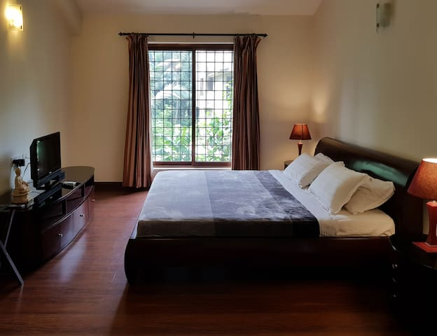 Master Double Bedroom 1