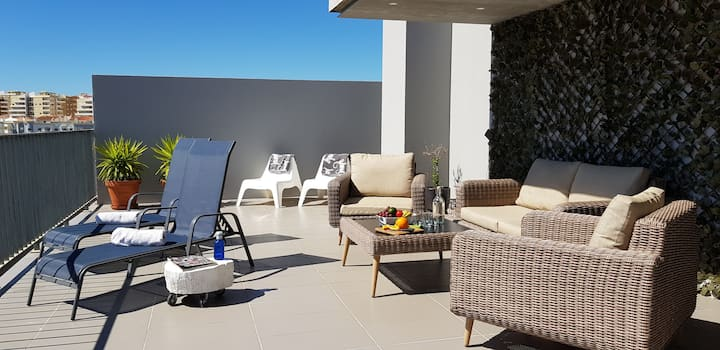 Private Roof Terrace 2 Bed Apt Overlooking Marina