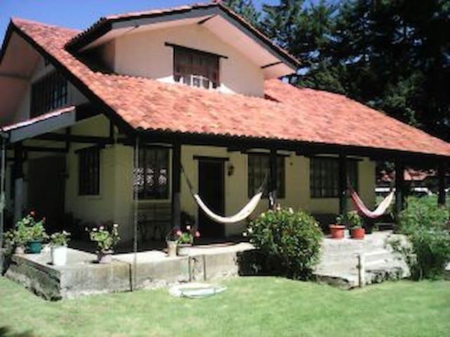 Casa de la Pavita - Cuenca - House