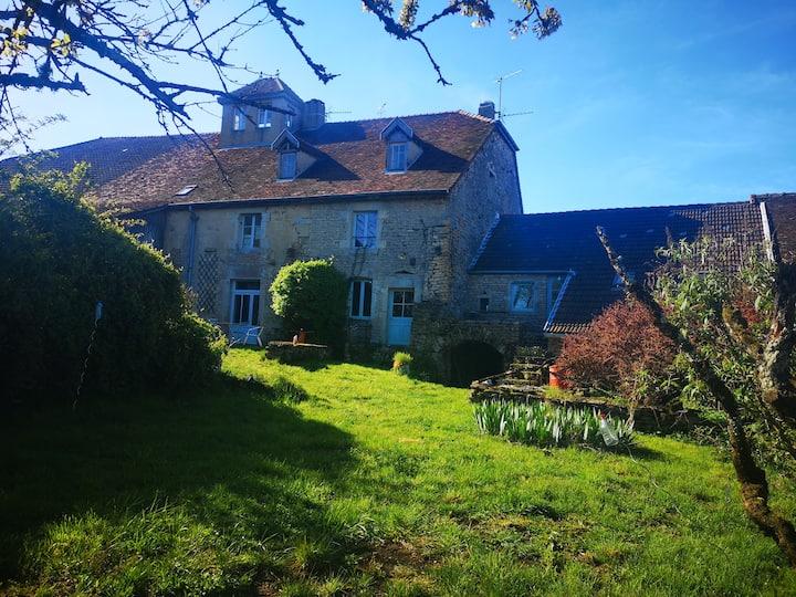 En plein coeur du village de Chateau Chalon