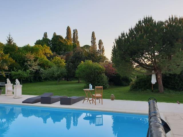 ☆ Maison avec piscine ☆ 70 km de Paris ☆