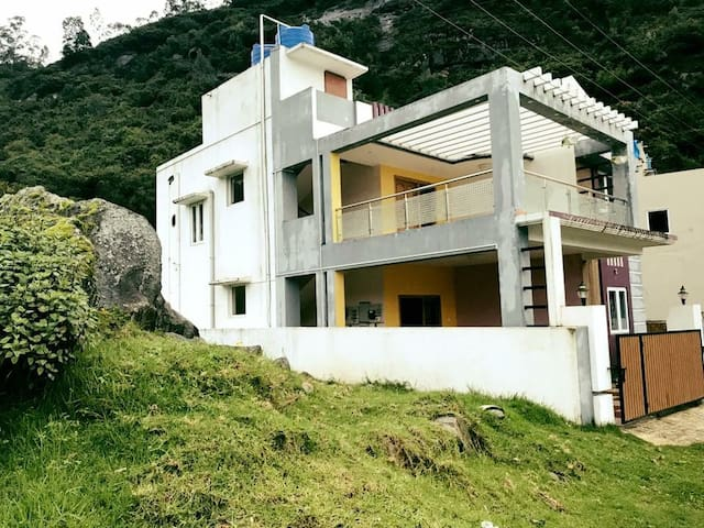 Pleasant stay in midst of a valley