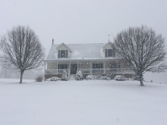 Rural Comfort - Frostburg - Casa