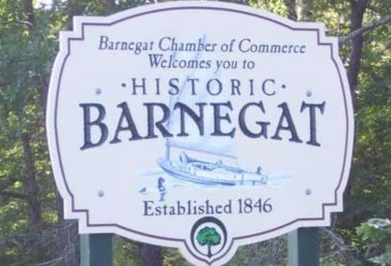 Barnegat township, 1 guest bedroom inTown Center