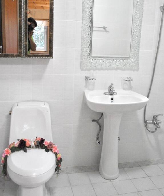 화장실 총 2개