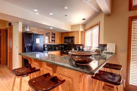 The Ridge Silver Lake2-Sensational 3 Bedroom Condo Mid Mountain at Deer Valley 5 minute walk to Lift In Park City - 帕克城