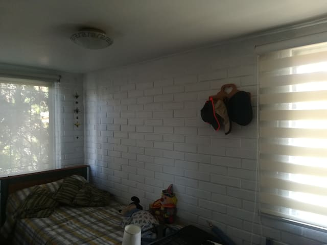 Arriendo 2 dormitorios en Barrio Tranquilo