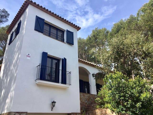 Grande villa 145m2 à Tamariu, à 500m de la plage - Tamariu - House