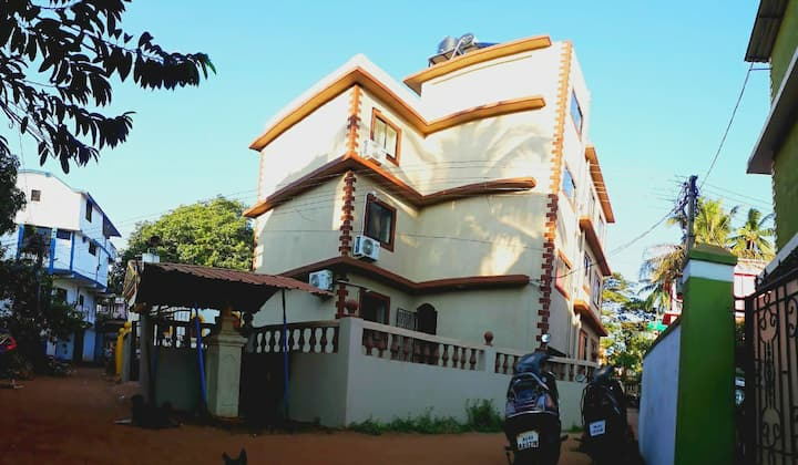 1bhk apartment by the calangute beach