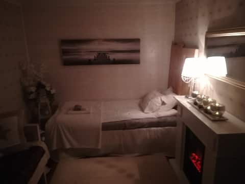 Amalian Aitta huone maaseudun rauhassa