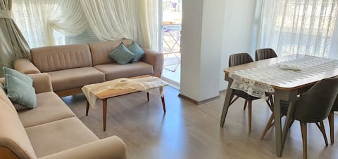 Nice Dublex Apartment 3 Bedrooms Close to Old Town