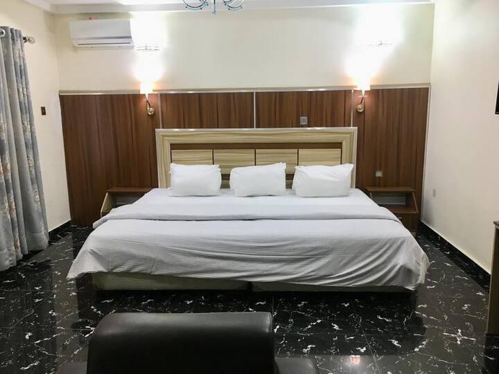 Shuallson Hotels - Deluxe Room