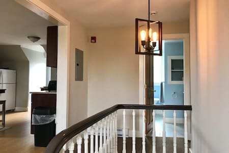 Renovated apartment in the heart of Downtown Lenox