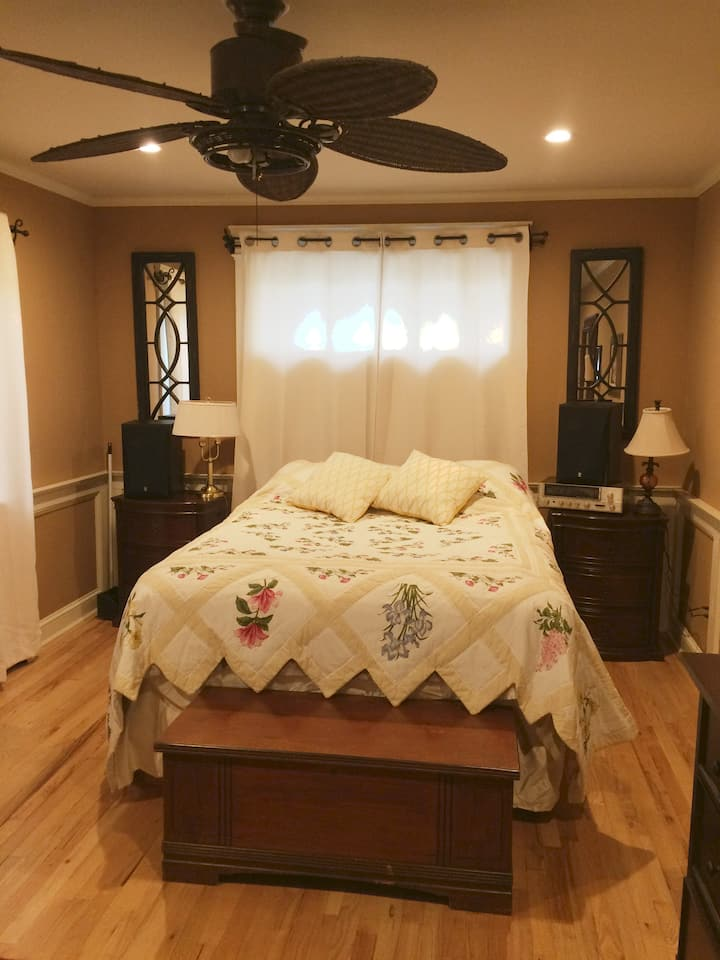 Close to beaches and close to Stony Brook
