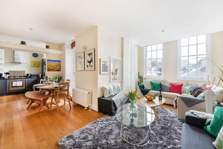 Modern and Family Friendly Apartment next to the Royal Opera House