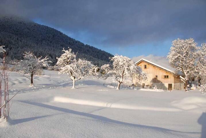 gîte sous la neige de noël