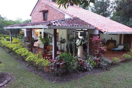 Cabaña El Refugio 🤍🏡✨