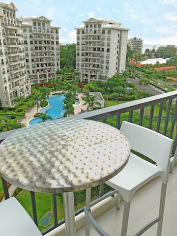 NEW!! Modern and luxurious Condo in Jaco