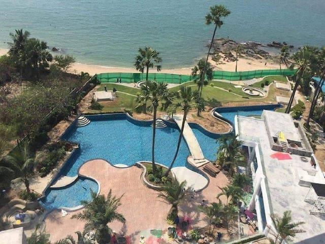 Studio in The Palm 5 star resort Pattaya