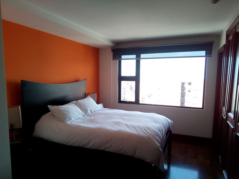 Dormitorio # 2 con cama queen