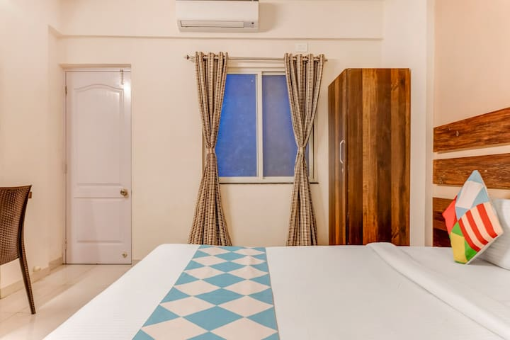 OYO Elegant 1BR Homestay  Pune on Special Prices!