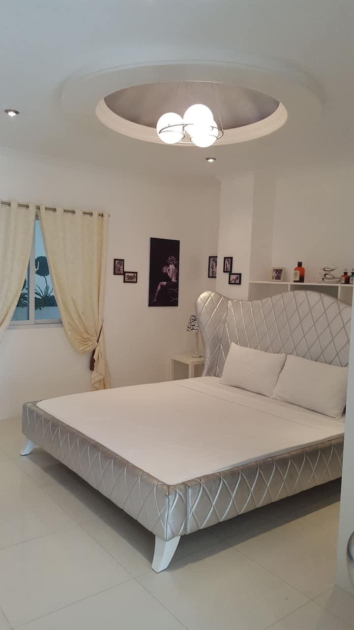 Luxury 1Bedroom in Kandi 1