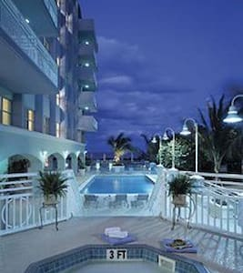 Solara Surfside 1-Bedroom Suite - サーフサイド