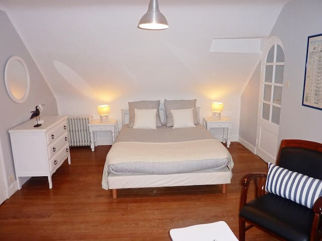 Villa Keris face océan : chambre marine - Audierne - ที่พักพร้อมอาหารเช้า