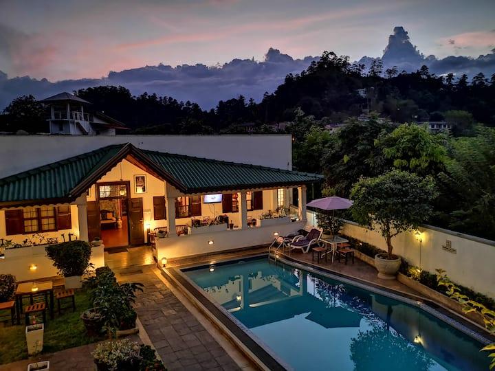 斯里兰卡康提卡雅酒店,山景带阳台双人双床房