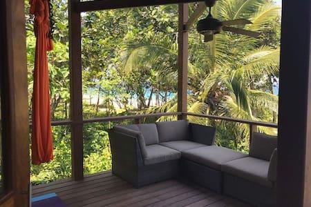 Elevate Wellness Space - Bocas del Toro District - Szoba reggelivel