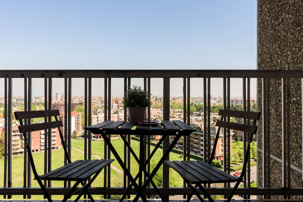 Green milano 39 s roof free parking close to metro for Roof garden milano