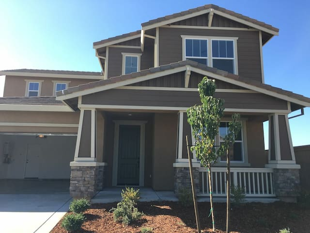 New home in Vacaville - King and Queen