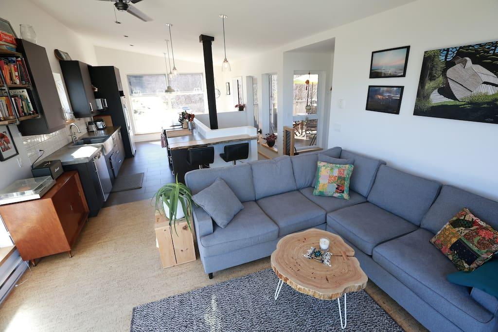 Spacious & Bright Living Area