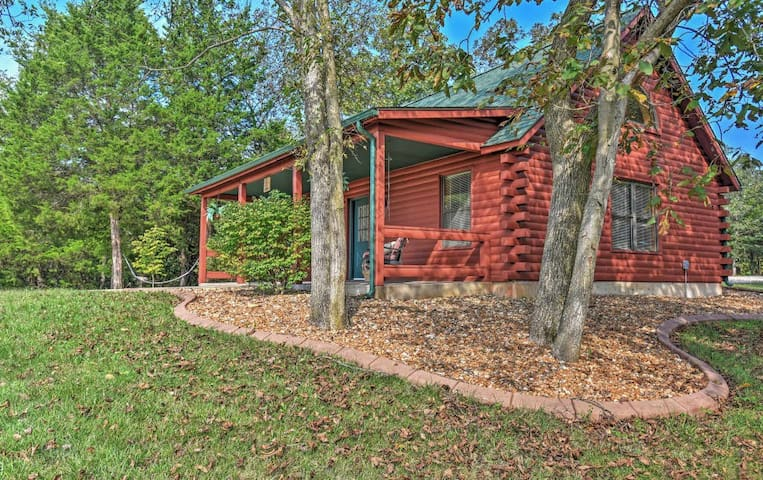 Private 1BR Defiance Cabin on 43 Acres! - Boone Township