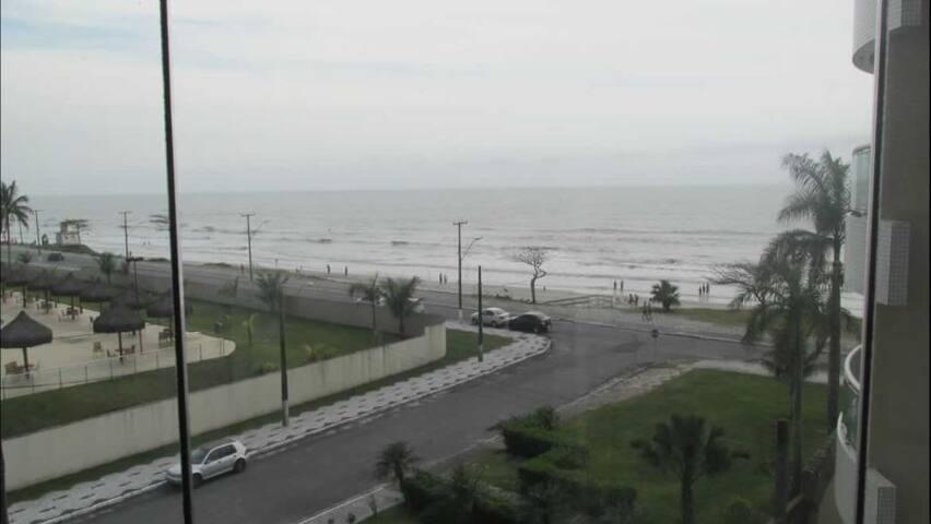 Apartamento em Caiobá com ótima vista para o mar. - Matinhos