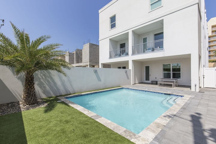 Ocean Views! Private Pool! Across from beach! New Construction Sleeps 24!